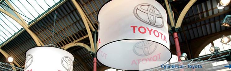 Werbedisplay-Deckenhaenger-Toyota